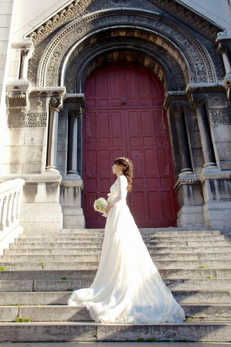 小笠原伯爵邸、PARISにてご結婚式 クラシカルでナチュラルなロングスリーブのウェディングドレスで。