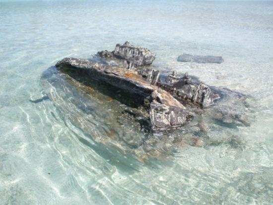Wake Island: An old Japanese WW2 tank sitting on the floor of the lagoon.