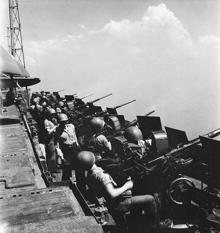 A row of 20 mm Oerlikon guns aboard the Essex-class aircraft carrier USS Hornet 1945 (CV-12) [2465  2617]