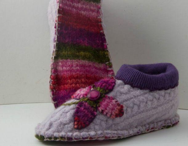 Уютные тапочки из старого свитера