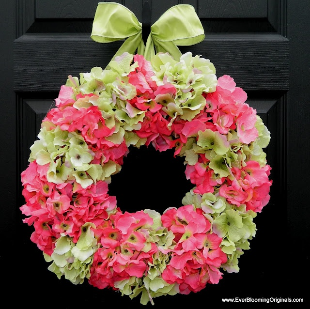 There is a fantastic giveaway for these pretty wreaths!