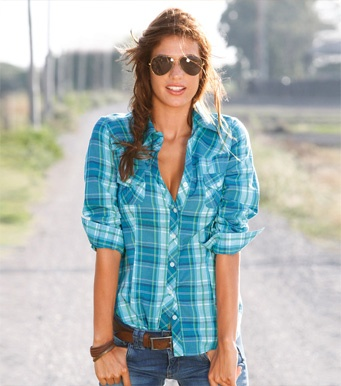 a plaid blue T-shirt, a brown belt, and jeans