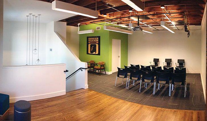 Blues legend Memphis Slim's home, transformed into a music studio/ Casa monument transformata in studio de muzica