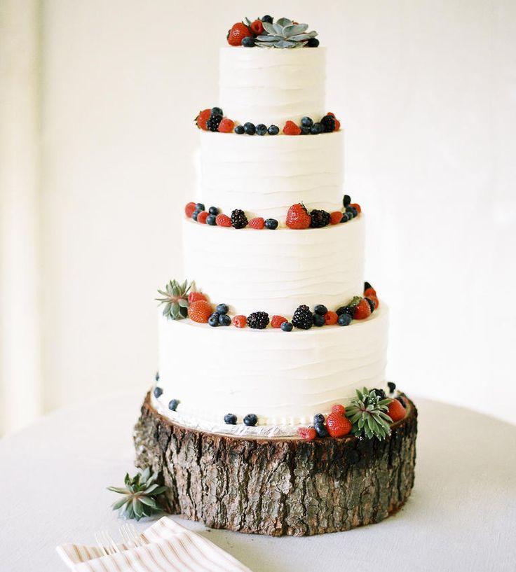 5 Summer Wedding Cake Ideas   Photo by: Sweet Tea Photography   TheKnot.com