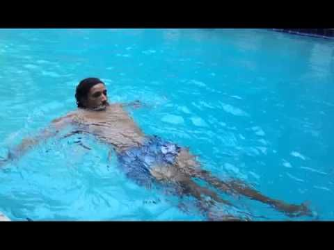 Suscribete: https://www.youtube.com/user/javierentrenadorpers Mejores ejercicios para el abdomen en piscina Javier Panizo entrenador personal ¡Sígueme en las...