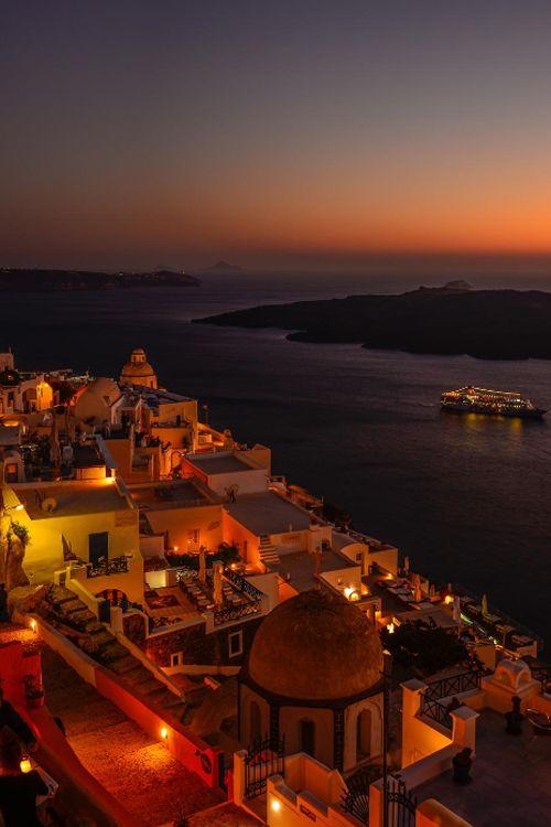 Santorini / Greece by Gürkan Gündoğdu
