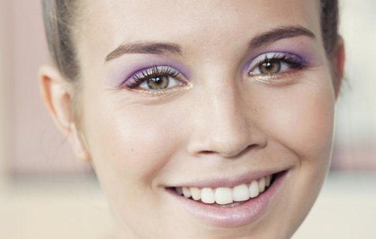 Je staat in de drogist, voor een rek vol kleurtjes en zonder enig idee wat te kiezen. Help? Met deze tips koop jij altijd de juiste oogschaduw voor jouw oogkleur. Handig!