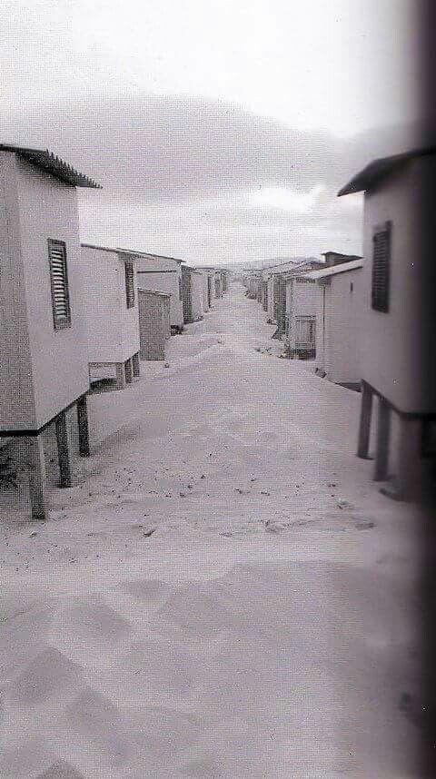 I casotti del Poetto di Cagliari, quando c'era tanta sabbia bianca e fina. Anni '50
