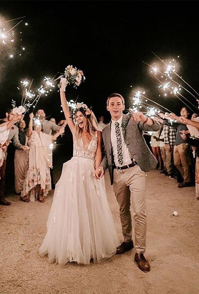 100 Must Have Wedding Photos Ideas Tips Wedding Forward In 2020 Wedding Photo Checklist Night Wedding Photos Wedding Photos