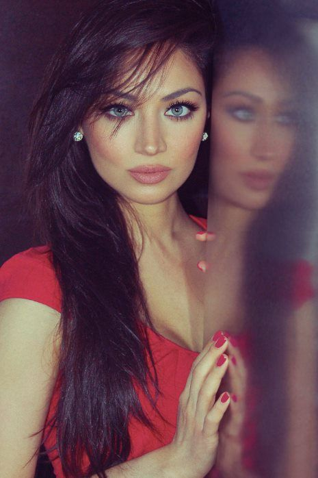 Gorgeous Claudia Lynx gotta love the green eyes and dark hair. :) shes stunning