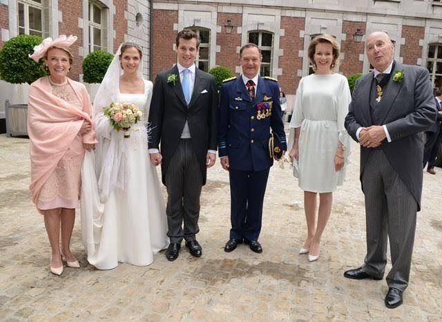 La reine Mathilde au mariage princier à Beloeil - Noblesse & Royautés