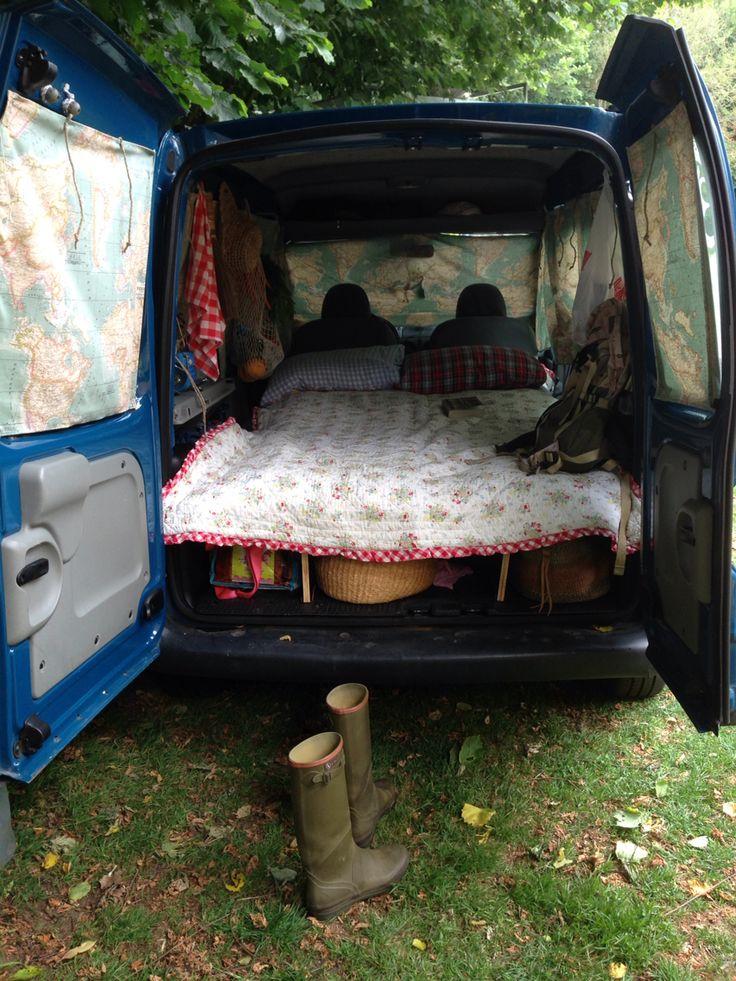 renault kangoo turned into mini camper wanderlust. Black Bedroom Furniture Sets. Home Design Ideas