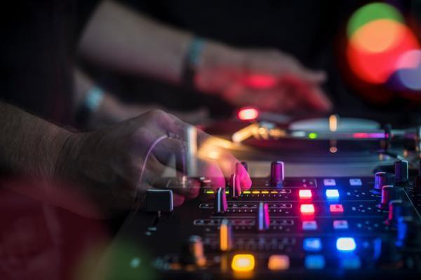 Discotecas de música electrónica en Madrid.    #madrid #electronica #techno #party #nightlife #fiesta