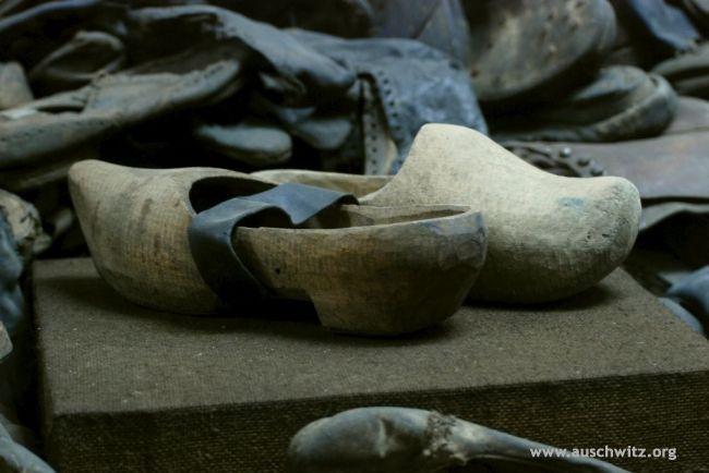 Clogs worn by prisoners at Auschwitz | Auschwitz ...