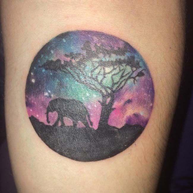 yuvarlak fil dövmesi