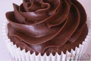 Coberturas para cupcake de chocolate: um brigadeiro cremoso para você se deliciar!