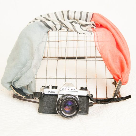 The VC Scarf Camera Strap The Anna van TheVintageClothespin op Etsy