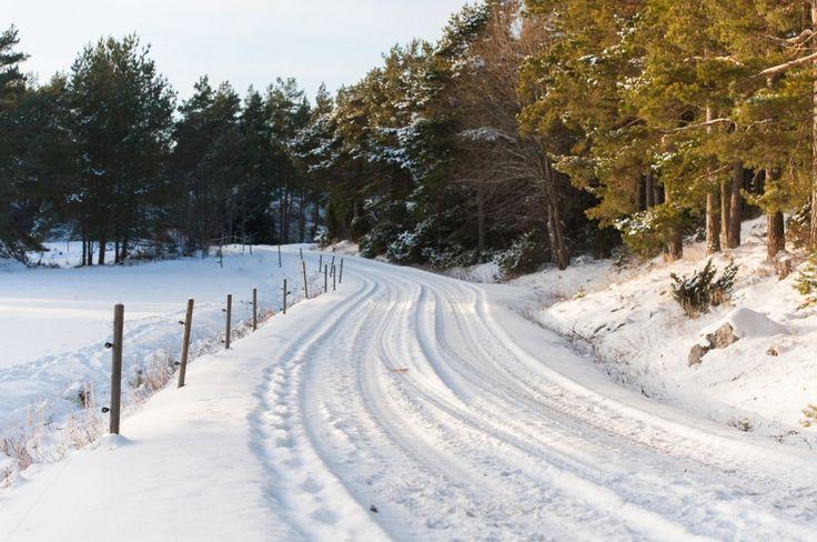 Séjour hivernal dans les îles Åland en Finlande (Detour Local) -> Un beau coucher de soleil perdu à Jurmo au bout des îles Aland www.detourlocal.com/sejour-hivernal-iles-aland-finlande/