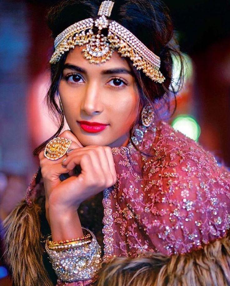 Krishna Das Jewelry makes yet another bold statement on a Sabyasachi bride 😍