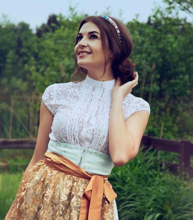 Dirndl & Trachtenkleider - Spitzenbluse weiß, kurzarm - ein Designerstück von suit8 bei DaWanda