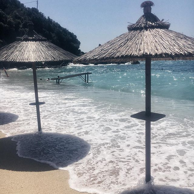 Strand & Sonnenschirme in Griechenland