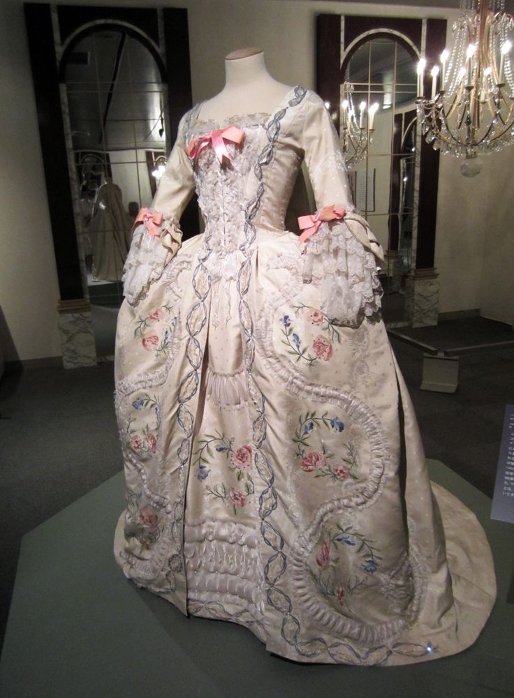 marie antoinette dresses | want to make this dress! The embroidery and textile work was so ...