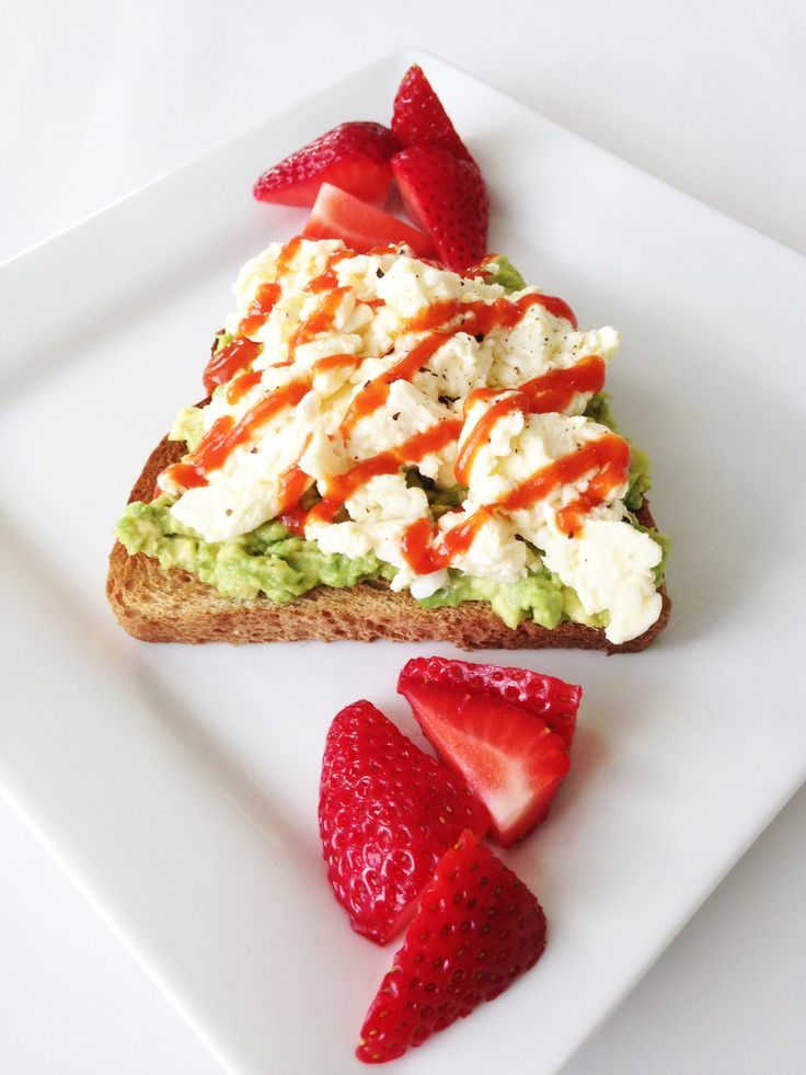 This summer breakfast toast has been a staple among my weekly menu. It's  quick. It's easy. And it doesn't heat up my poor little kitchen much at  all. While one lonely slice of toast might not seem like much, this is a  rather filling little dish that's full of healthy fats and protein to keep