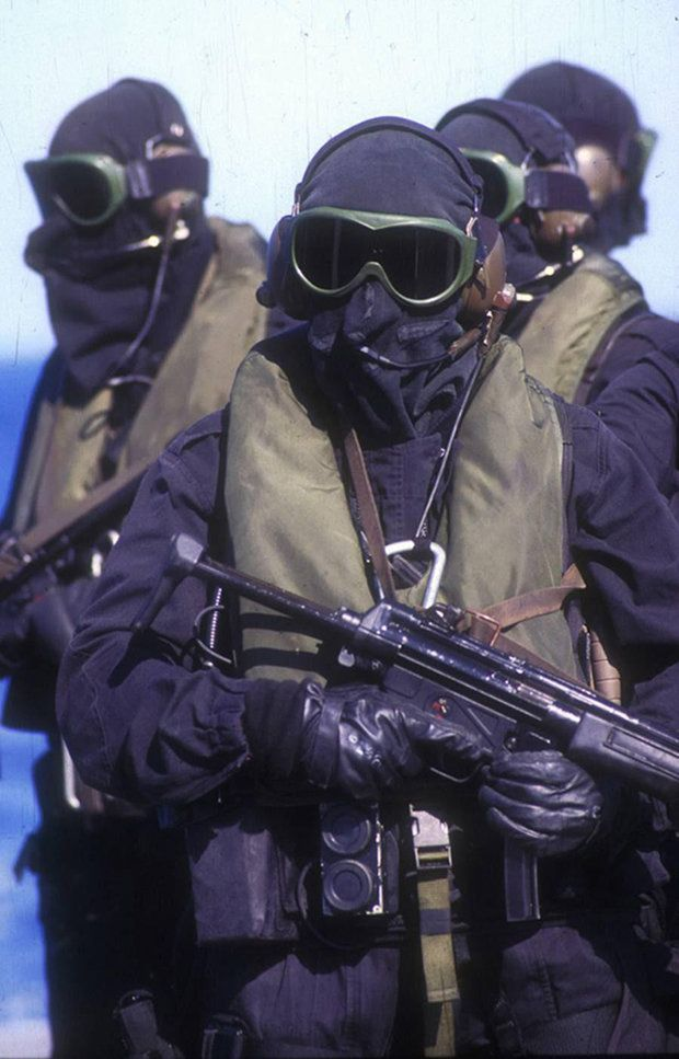 Members of the British Special Boat Service