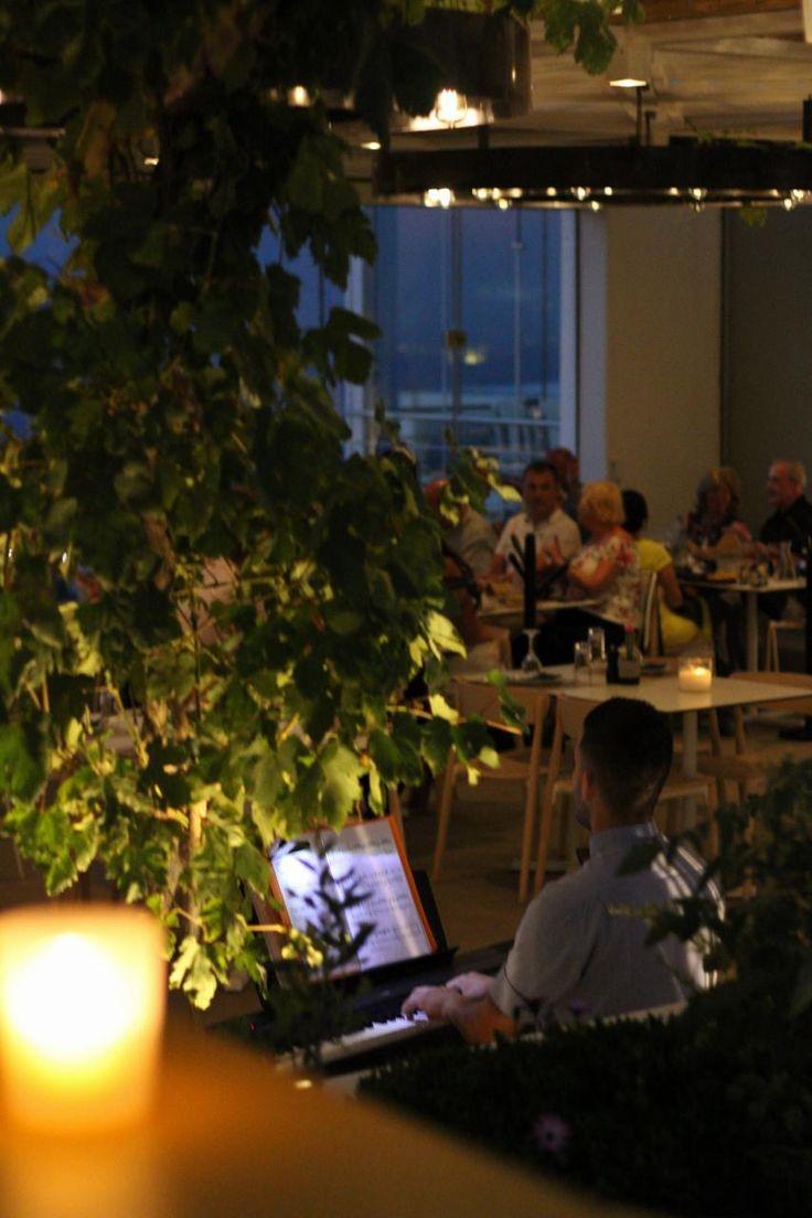 #PIANONIGHT #pyrgosrestaurant #santorini #dinner