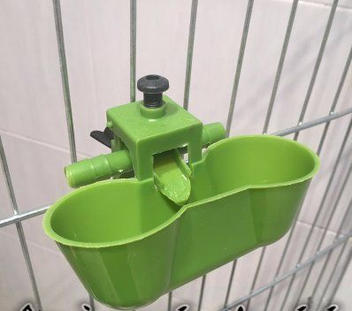 (5 Sets) Drinking Cups Green Automatic Feeder Waterer for Chickens/quail/bird Poultry  100% Brand new and high quality. Plan: 5 x Drinking cup, Size:11.5 cm x 5cm - 4.5 inch x 1.96 inch   How it works: by hydraulic concept, cups includes spring adjustment to control the amount of water. There is insufficient water glass, it will automatically stream into the water, when it reaches a particular level, the valve will automatically close. Easy to use! Ideal for installation in the cages…