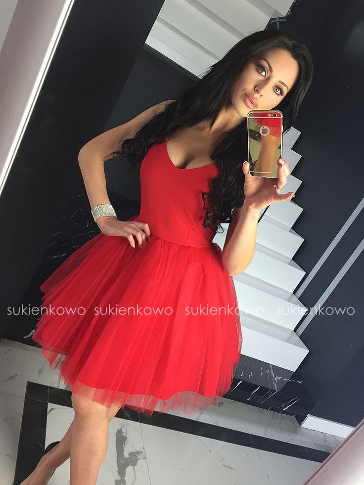 Sukienkowo.pl - FANNYRozkloszowanasukienkazdekoltemsoczystoczerwona