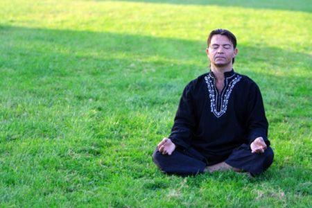 El Pranayama Ujjayi es otra técnica de respiración yóguica interesantísima pues su coordinación con diferentes Bhandas o cierres la hacen muy poderosa.