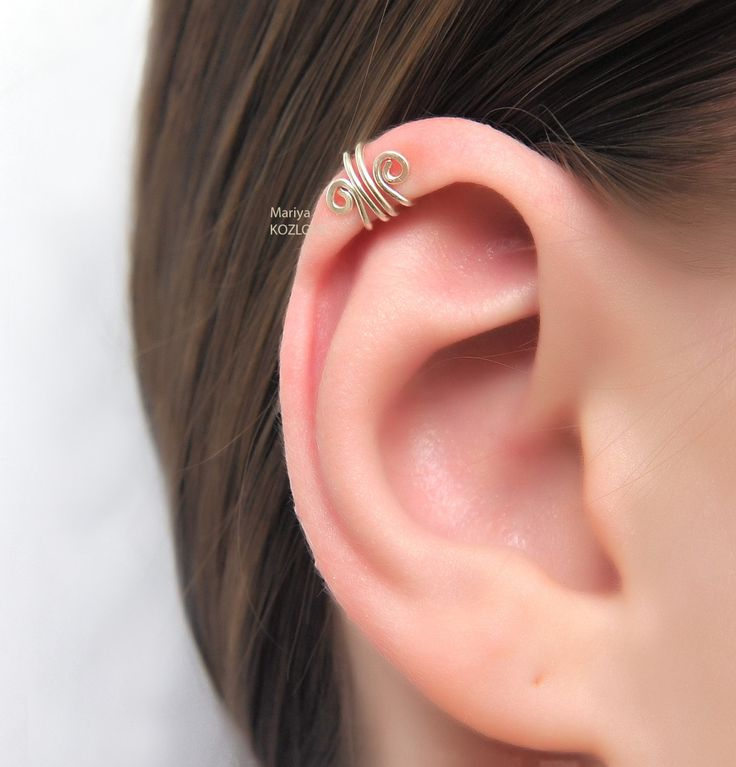 Silver Scroll Ear Cuff for the Upper Ear - cartilage ear cuff - piercing imitation - fake ear piercing. Helix ear cuff. by LotEarCuffs on Etsy