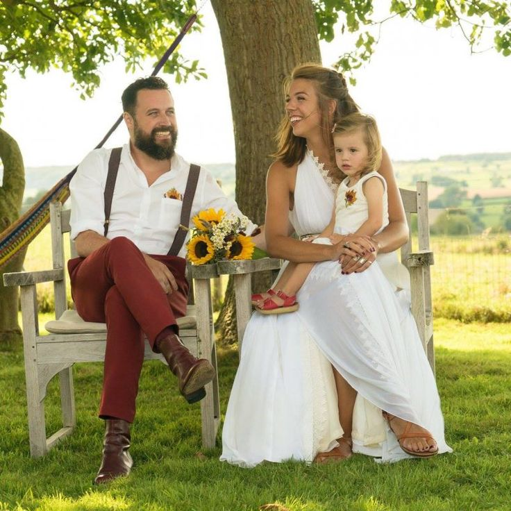 Bruiden – Laura Dols Antieke Trouwjurken