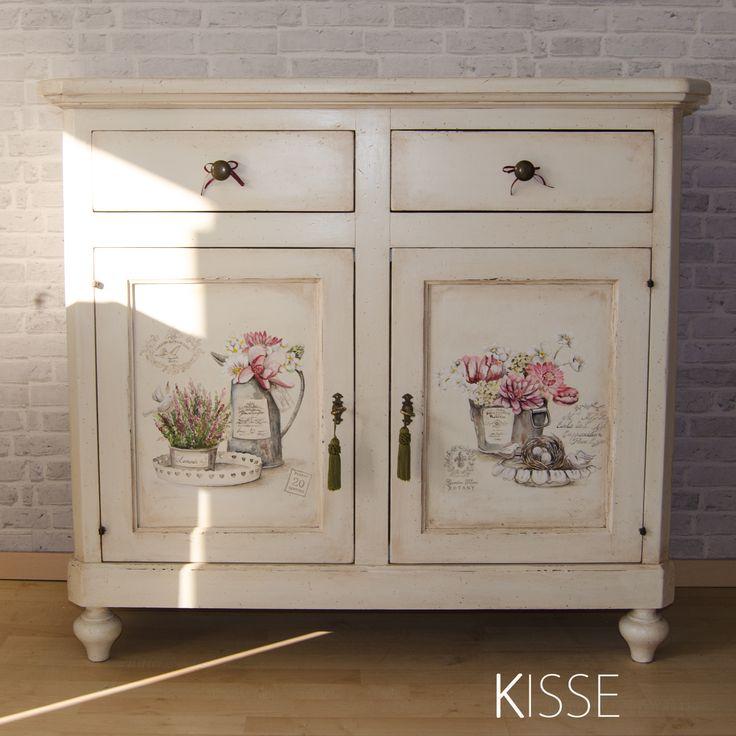 decorated furniture  facebook @kissearte