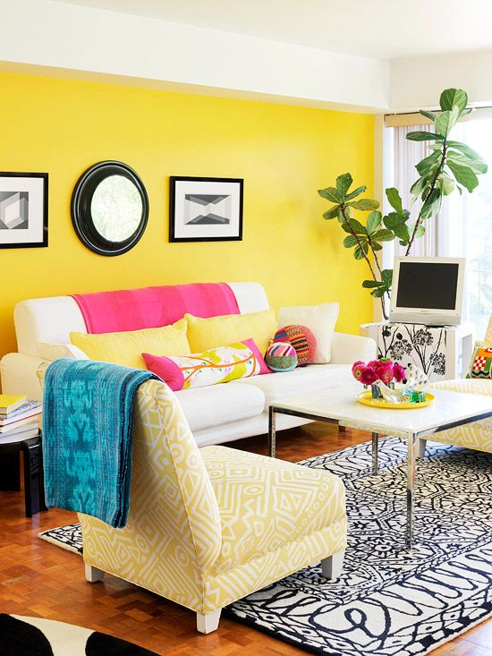 i love the yellow!Tasty Recipe, Primary Colors, Yellow Wall, Room Colors, Living Room Design, Colors Schemes, Accent Colors, Bright Colors, Accent Wall