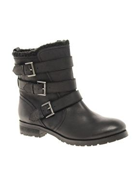 Leather Biker Boots.  Stivali da motociclista in pelle nera. ASOS - ANSWER