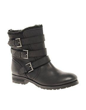 Leather Biker Boots.  Stivali da motociclista in pelle nera. ASOS - ANSWER