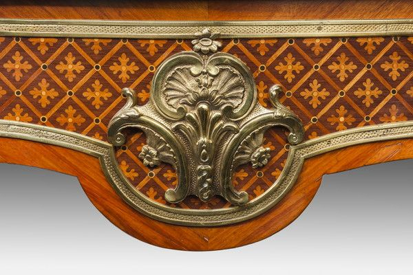 A fine kingwood and marquetry bureau plat in the French taste - Wick Antiques