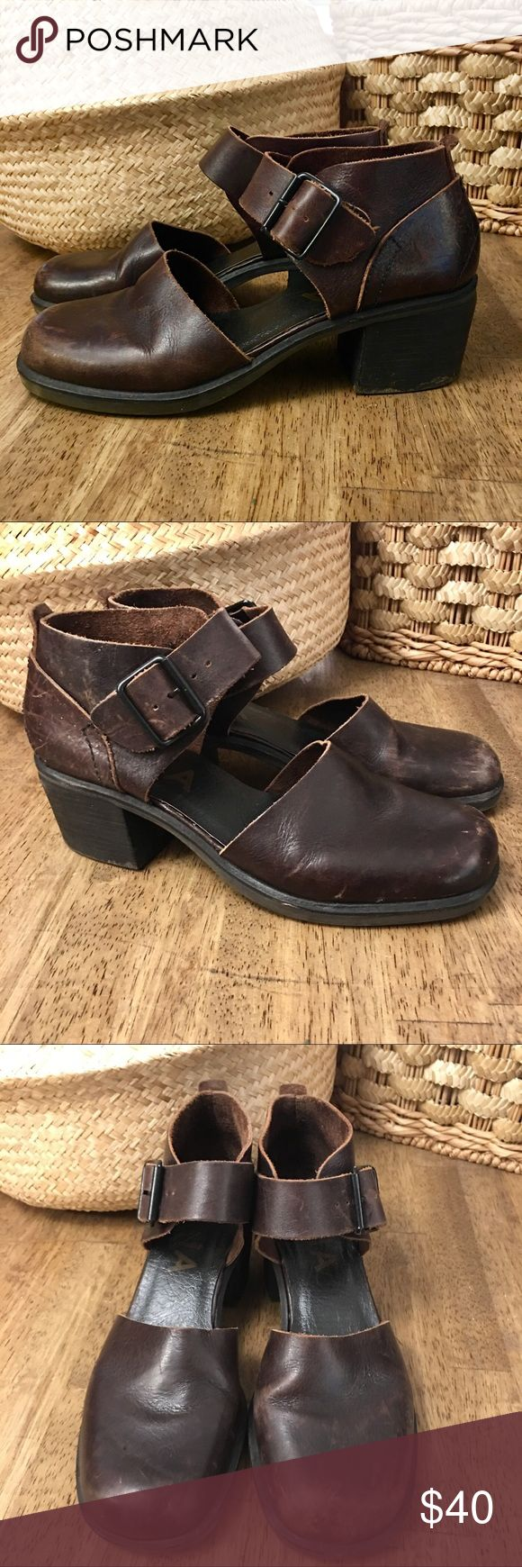 MIA Brown Leather Heeled Clog Sandal Size 7 1/2 M MIA Wide Strappy Heeled Clog. I saw these and made that noise only women make when they see the perfect, beautiful, something. Alas, they weren't my size. But they are soooo cute! Size 7.5 M MIA Shoes Mules & Clogs