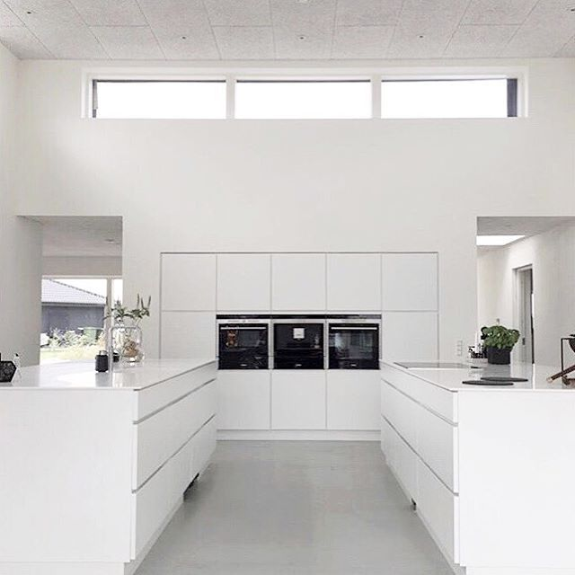 Kitchen inspo 🙌🙌 I love the white and bright in this picture🙏 check out @by_olander for more lovely pictures👌