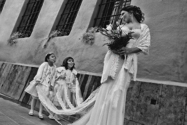 """Волшебная и страстная Испания!  Романтичные свадебные церемонии с агентством """"Счастливы в Испании"""".  Это лето для вашей пары!  Узнай уже сегодня, как мы организуем ваш праздник!"""