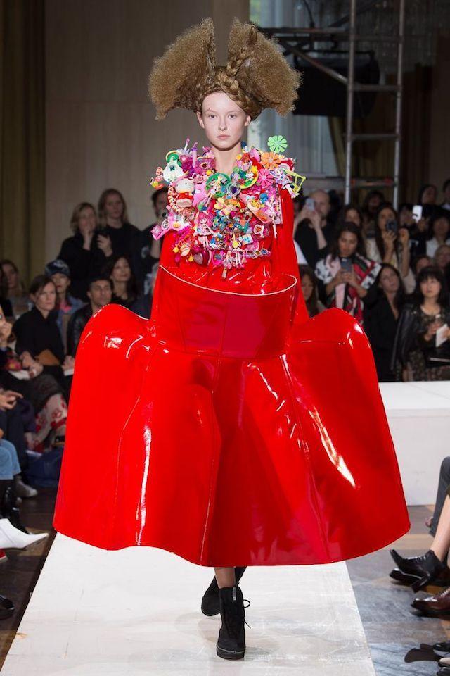 ファッション誌『VOGUE JAPAN』の公式サイト。プレタポルテ、オートクチュール、メンズなど、NY、ロンドン、ミラノ、パリ発信の最新のコレクション情報をお届け。最新のファッションモデルや海外セレブのスナップ写真も掲載。気になるセレブがコレクションのショーのフロントロウに。
