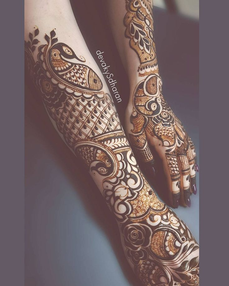"""1,732 Likes, 16 Comments - Devaky S Dharan (@hennabydevakysdharan) on Instagram: """"She wanted Indian design just on the back of her hands. . . #devakysdharan . .…"""""""