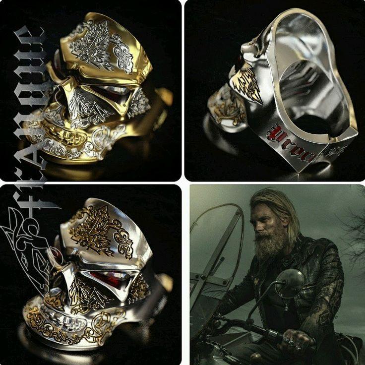 New #skull ring/Новое кольцо #jewelryformen #men #jewelry #ring #кольца #украшения #silver #серебро #мужские #длямужчин #frangue #brutal #брутал #бородач #bears #beards #beardlife #золотой #золото #gold #гранат #garnet #chopper #байкер #grin #biker #leather #кожа #FRANGUEbyZvereV