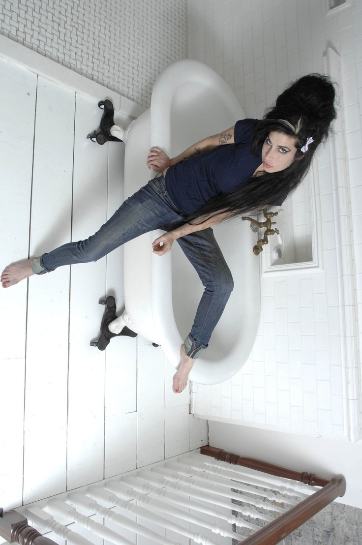 720 best Amy Winehouse images on Pinterest | Ears, Singers and ...