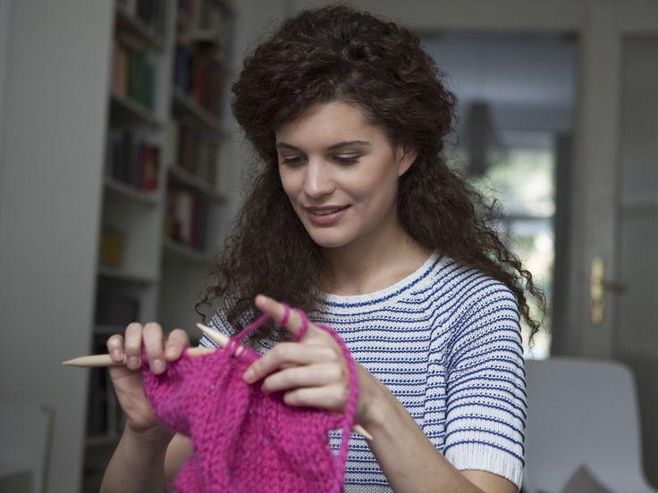 Knitting, ovvero lavorare a maglia e all'uncinetto migliora le capacità fisiche…