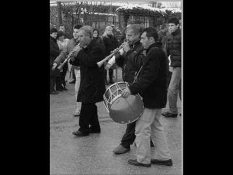 Τσάμικο Ρούμελης (με πίπιζα) - Πέτρος Καλύβας