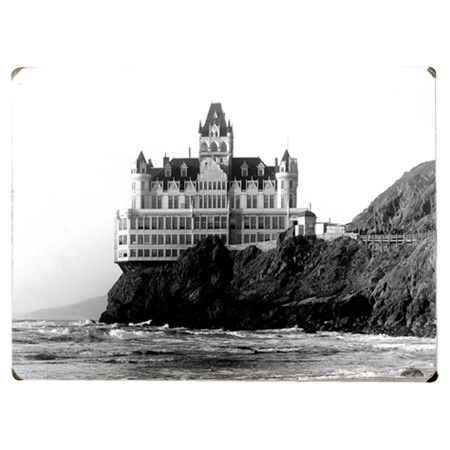 Wood wall decor depicting a vintage image of the Cliff House Hotel in San Francisco, California.   Product: Wall decor