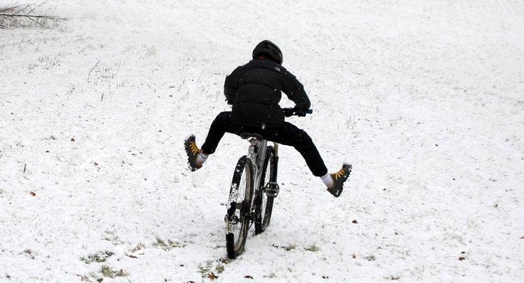W co zainwestować pieniądze aby Twoje wysiłki w zimie nie poszły na marne? Co jest konieczne a co warto mieć? Czy tylko rower?